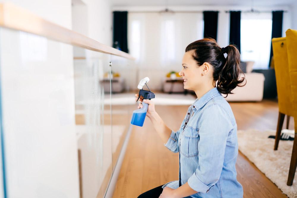detergente per pulizia finestre